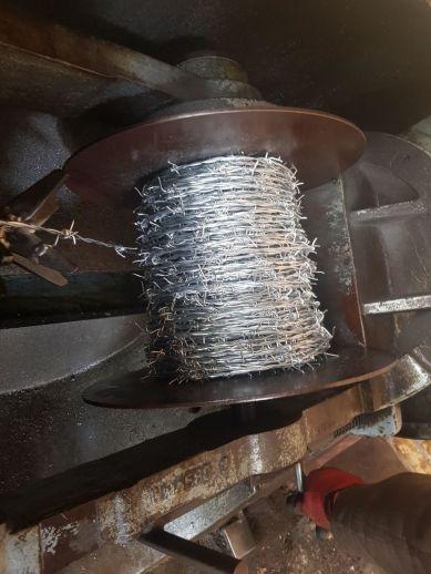 دستگاه تولید سیم خاردار | روش تولید سیم خاردار | صنایع مفتولی پاکسیم